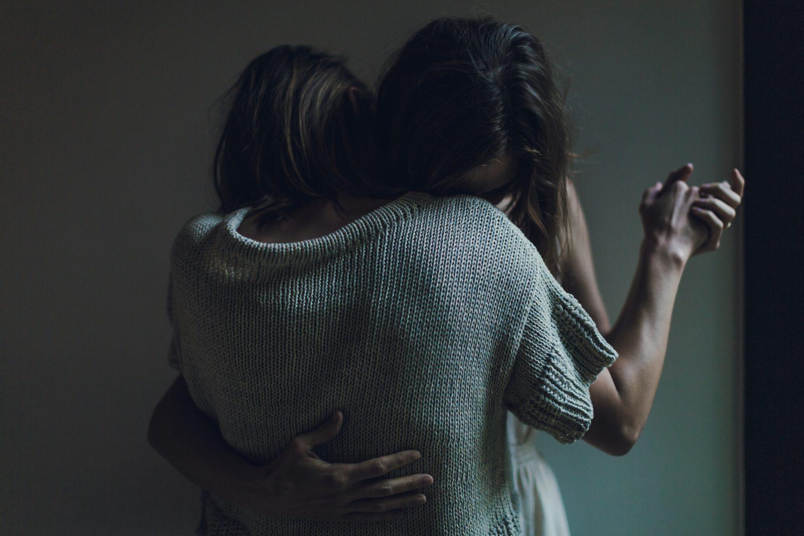 A volte abbiamo bisogno di un abbraccio che ci avvolga l'anima